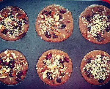 Шоколадови кейкчета с брашно от рожков и конопени семена